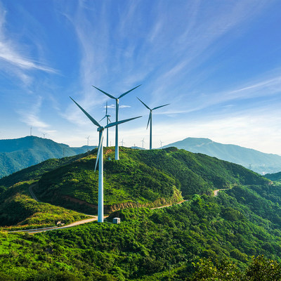 Schneider Electric reaches number 1 spot for sustainability in its sector by ESG rating agency Vigeo Eiris (CNW Group/Schneider Electric Canada Inc.)